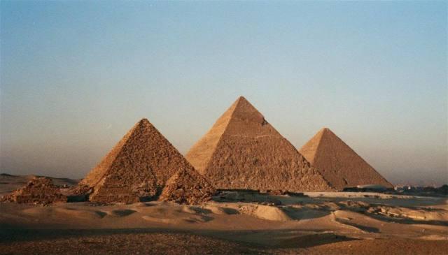 Giza GreatPyramids